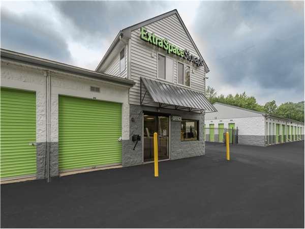 Image of Extra Space Storage Facility on 390 N Broad St in Doylestown, PA