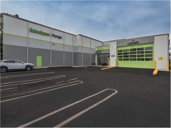 Image of Extra Space Storage Facility on 500 S Broad St in Glen Rock, NJ