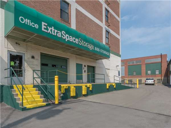 Image of Extra Space Storage Facility on 7535 Penn Ave in Pittsburgh, PA