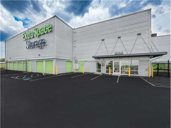 Image of Extra Space Storage Facility on 640 Broadway in Saugus, MA