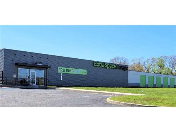 Beau Entry To Extra Space Storage Facility Near Route 9 South In Howell, NJ ...