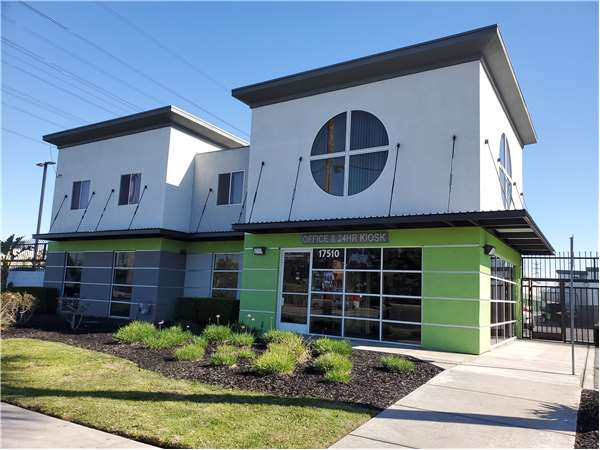 Image of Extra Space Storage Facility on 17510 S Figueroa St in Gardena, CA