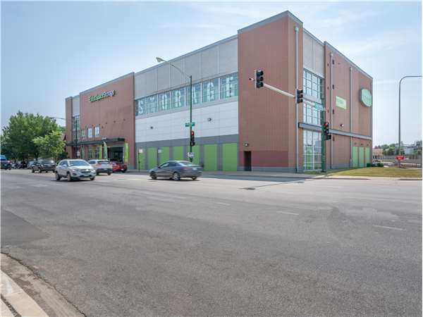 Image of Extra Space Storage Facility on 4455 W Montrose Ave in Chicago, IL