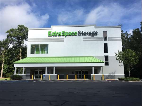 Image of Extra Space Storage Facility on 3510 Glenn McConnell Pkwy in Charleston, SC