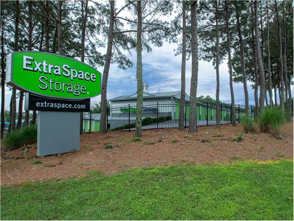 Image of Extra Space Storage Facility on 2860 Holcomb Bridge Rd in Alpharetta, GA