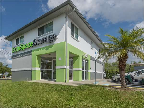 Image of Extra Space Storage Facility on 4319 Duhme Rd in St Petersburg, FL
