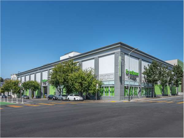 Image of Extra Space Storage Facility on 1400 Folsom St in San Francisco, CA