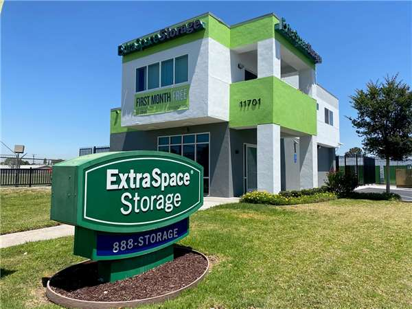 Entry To Extra Space Storage Facility Near Slauson Ave In Santa Fe Springs,  ...