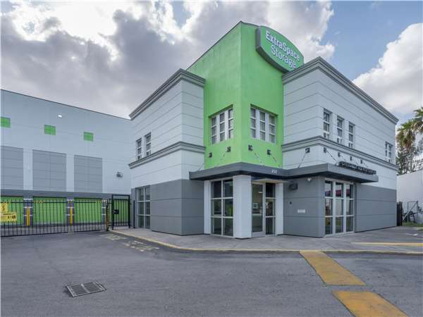 Image of Extra Space Storage Facility on 850 E 65th St in Hialeah, FL