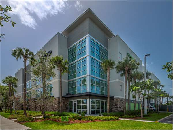 Image of Extra Space Storage Facility on 7795 W Sunrise Blvd in Plantation, FL