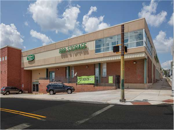 Image of Extra Space Storage Facility on 2400 N Howard St in Baltimore, MD
