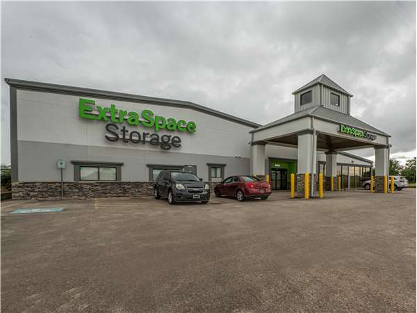 Image of Extra Space Storage Facility on 12620 Ryewater Dr in Houston, TX