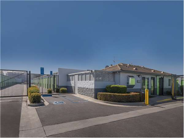Image of Extra Space Storage Facility on 2807 Skyway Dr in Santa Maria, CA