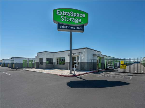 Image of Extra Space Storage Facility on 15555 Yates Rd in Victorville, CA