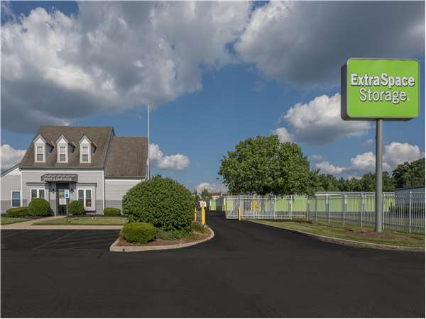 Image of Extra Space Storage Facility on 8100 Hamilton Ave in Cincinnati, OH