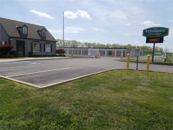Image of Extra Space Storage Facility on 4950 N Western Ave in Connersville, IN