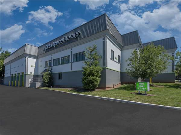 Image of Extra Space Storage Facility on 2035 US-22 W in Union, NJ