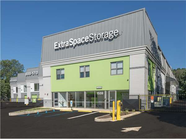Image of Extra Space Storage Facility on 1559 US-22 in Watchung, NJ