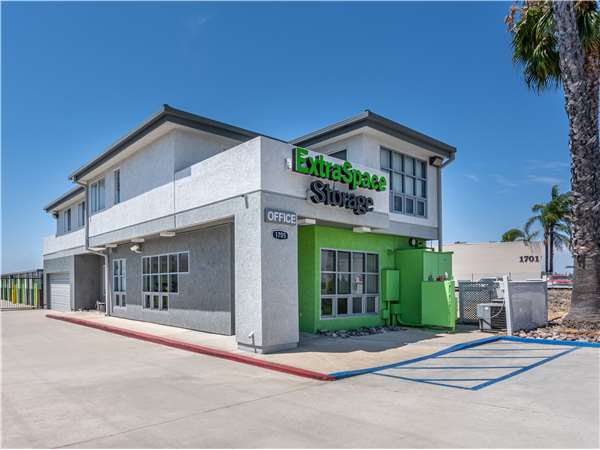 Image of Extra Space Storage Facility on 1705 S State College Blvd in Anaheim, CA
