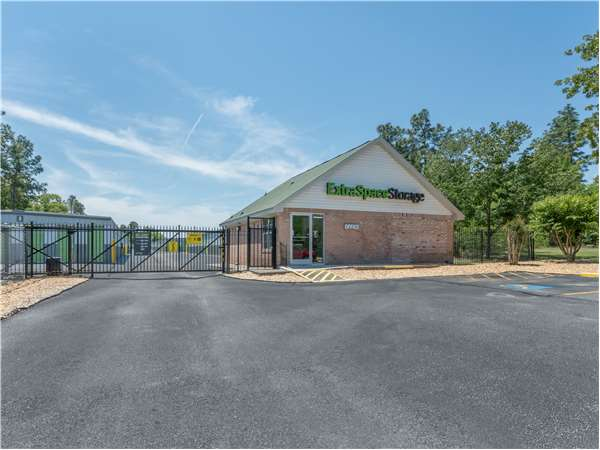 Image of Extra Space Storage Facility on 2364 Tobacco Rd in Augusta, GA