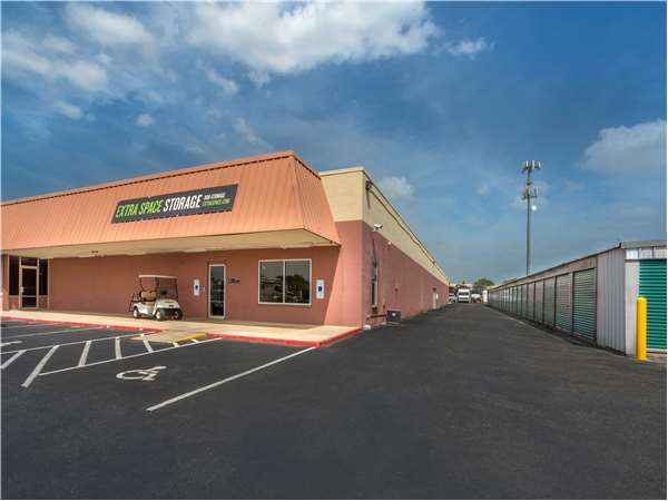 Image of Extra Space Storage Facility on 1035 W Jasper Dr in Killeen, TX