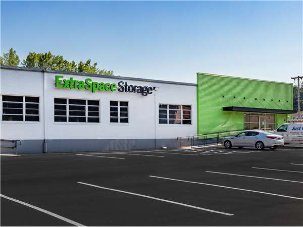 Image of Extra Space Storage Facility on 184 Fenn Rd in Newington, CT