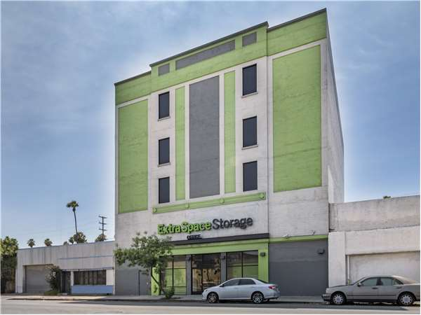 Image of Extra Space Storage Facility on 5555 S Western Ave in Los Angeles, CA