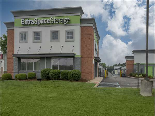 Image of Extra Space Storage Facility on 1545 General Booth Blvd in Virginia Beach, VA