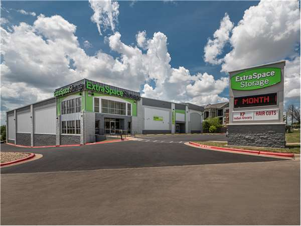 Image of Extra Space Storage Facility on 12506 N Lamar Blvd in Austin, TX