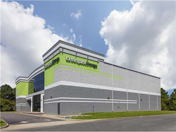 Image of Extra Space Storage Facility on 2206 Victory Blvd in Portsmouth, VA