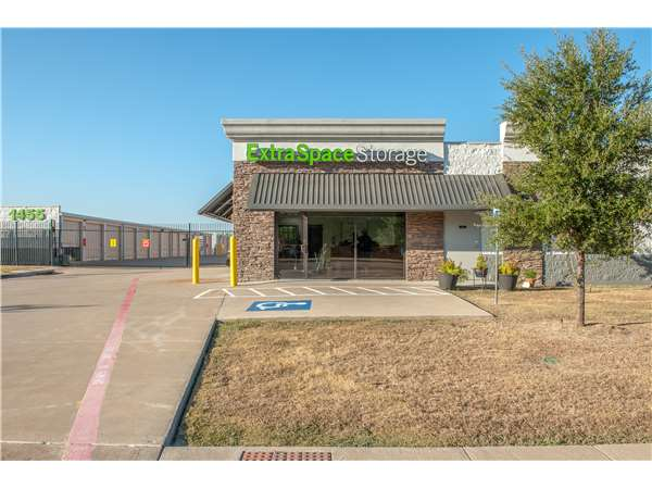 Image of Extra Space Storage Facility on 1455 Hwy 66 in Garland, TX