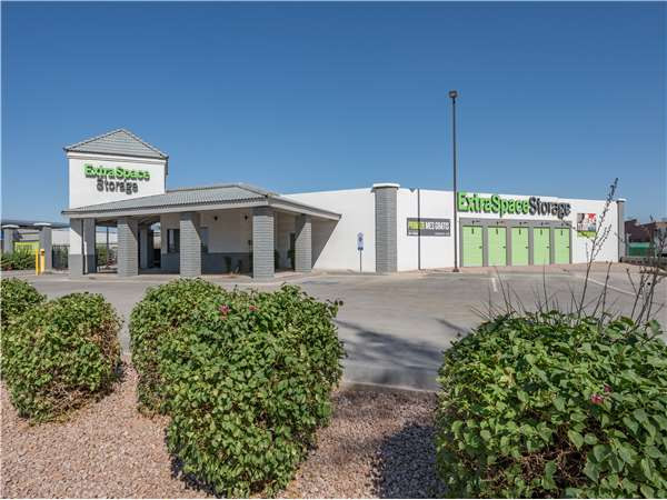Image of Extra Space Storage Facility on 5115 N 59th Ave in Glendale, AZ