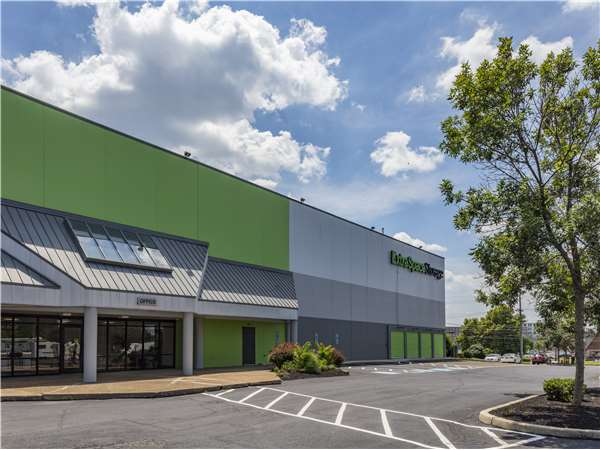 Image of Extra Space Storage Facility on 1001 Church Rd in Cherry Hill, NJ