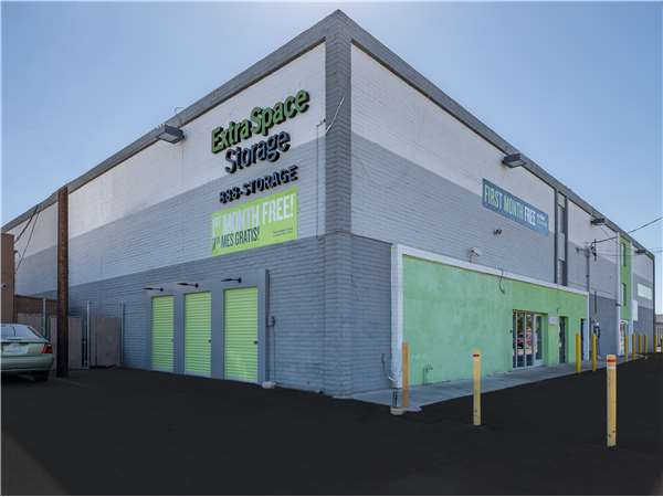 Image of Extra Space Storage Facility on 2727 W Missouri Ave in Phoenix, AZ