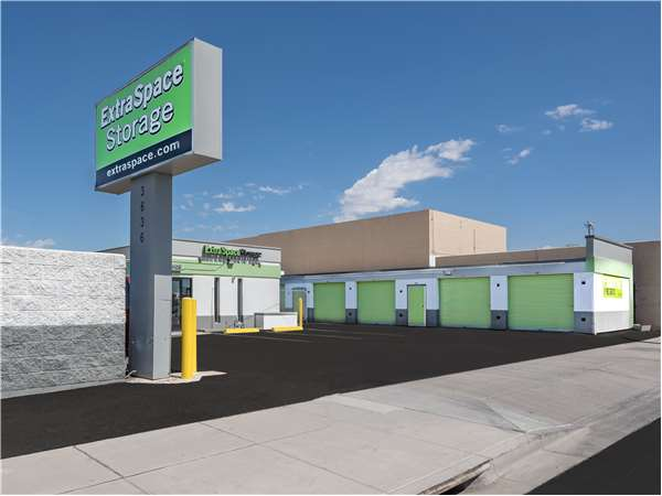 Image of Extra Space Storage Facility on 3636 E Washington St in Phoenix, AZ