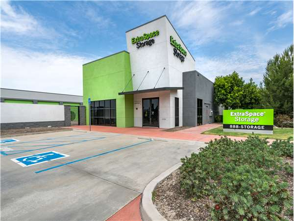 Image of Extra Space Storage Facility on 25650 Baffin Bay Dr in Lake Forest, CA
