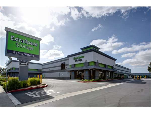 Image of Extra Space Storage Facility on 8150 E Wardlow Rd in Long Beach, CA