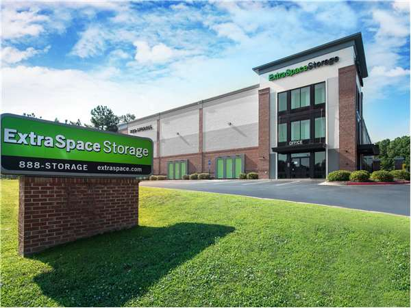 Image of Extra Space Storage Facility on 4105 George Busbee Pkwy NW in Kennesaw, GA