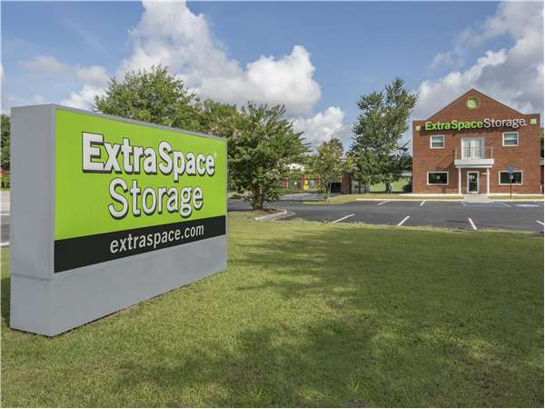 Image of Extra Space Storage Facility on 782 King George Blvd in Savannah, GA