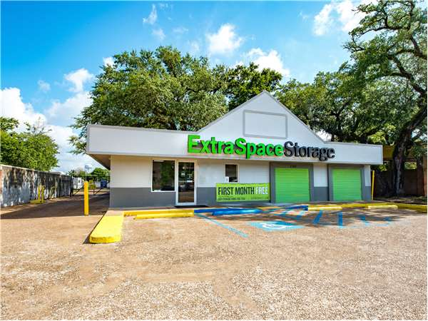 Image of Extra Space Storage Facility on 1742 Pass Rd in Biloxi, MS
