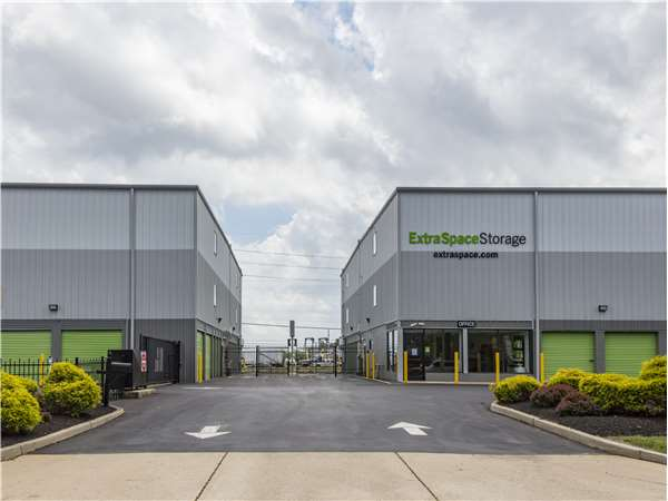 Image of Extra Space Storage Facility on 3200 NJ-37 in Toms River, NJ