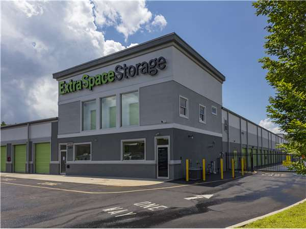 Entry To Extra Space Storage Facility Near Route 9 In Toms River, NJ ...