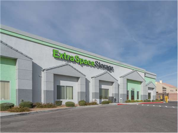 Image of Extra Space Storage Facility on 3825 S Durango Dr in Las Vegas, NV