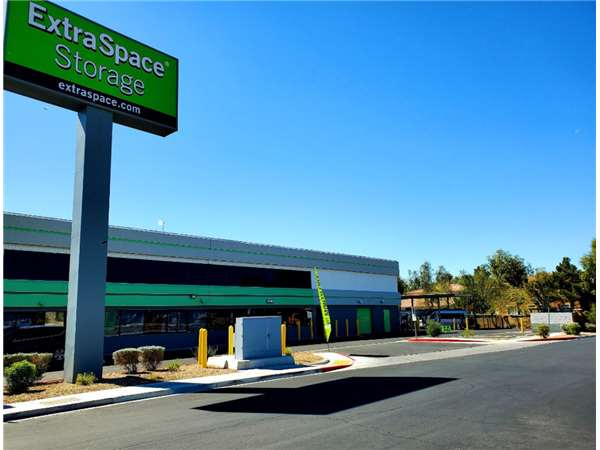 Image of Extra Space Storage Facility on 2025 N Rancho Dr in Las Vegas, NV
