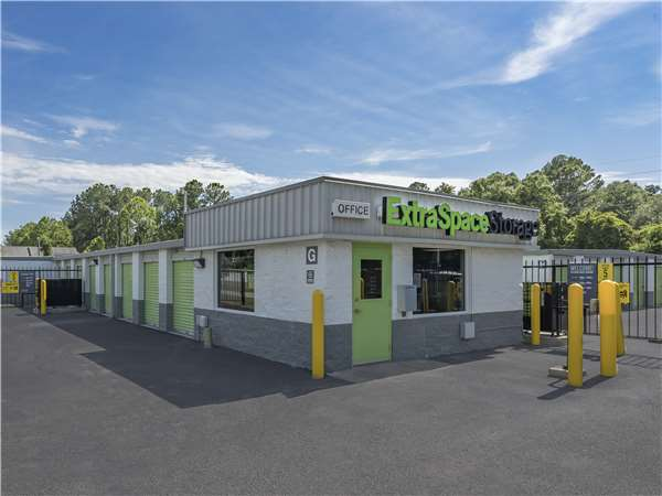 Image of Extra Space Storage Facility on 1951 Maybank Hwy in Charleston, SC
