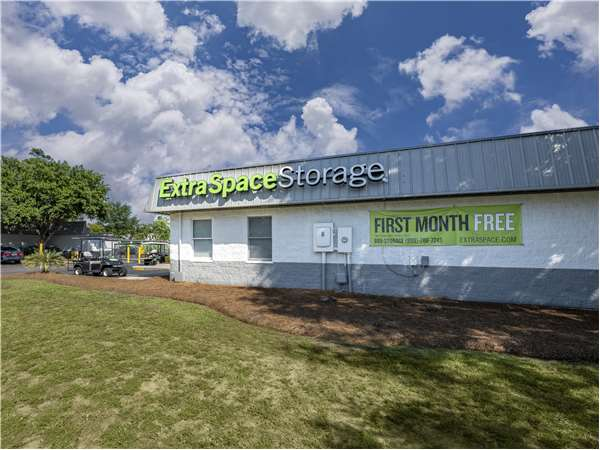 Image of Extra Space Storage Facility on 1108 Stockade Ln in Mt Pleasant, SC