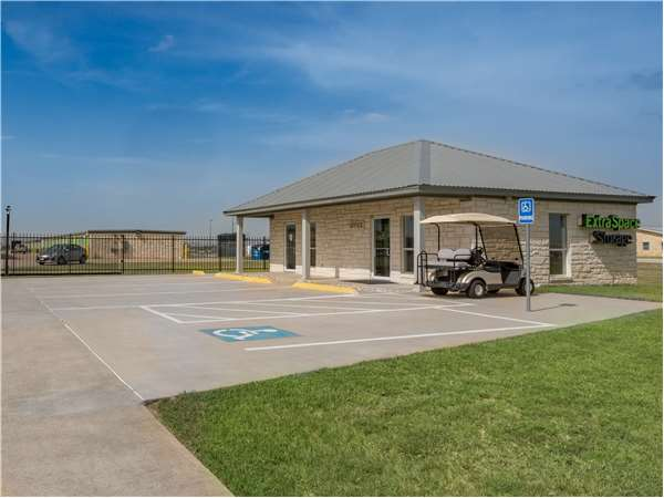 Image of Extra Space Storage Facility on 580 W Loop 121 in Belton, TX