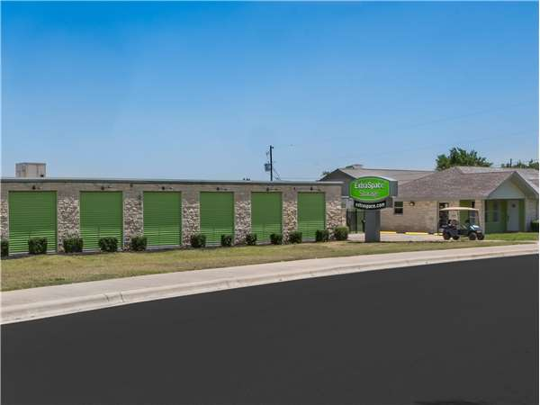 Image of Extra Space Storage Facility on 3009 Dawn Dr in Georgetown, TX