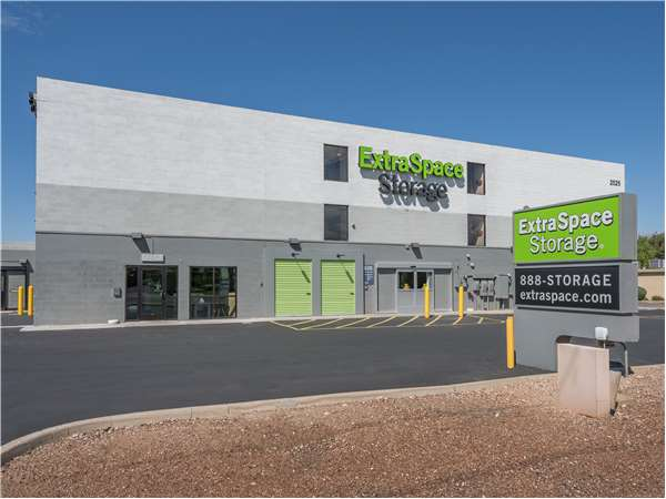 Image of Extra Space Storage Facility on 2525 N Tucson Blvd in Tucson, AZ