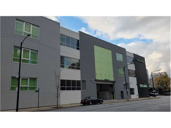 Image of Extra Space Storage Facility on 601 W Harrison St in Chicago, IL